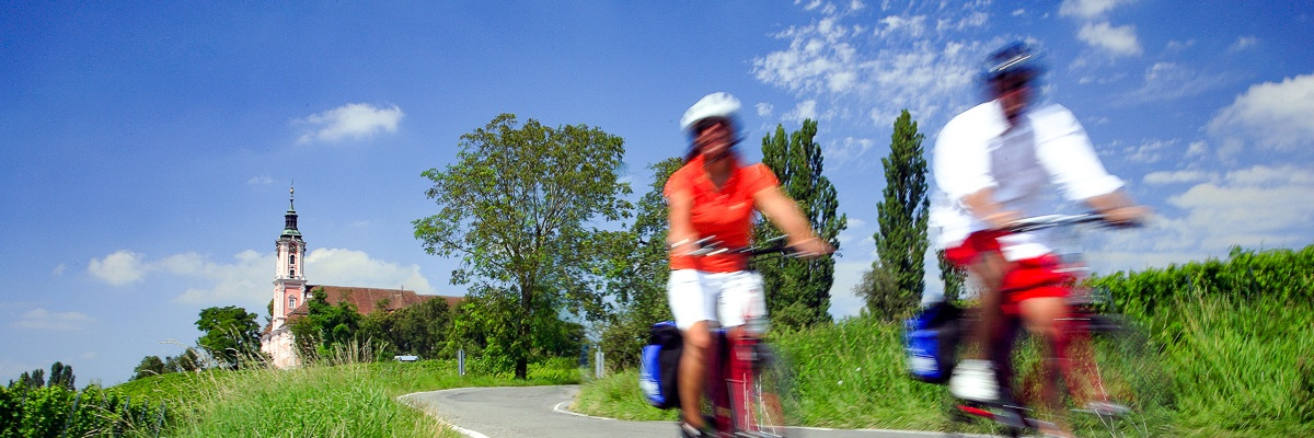Athletic cycling tours on Lake Constance